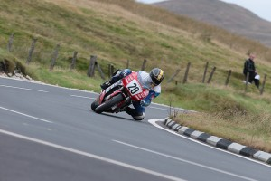 044-IOM-Superbike-ClassicTT-29August17