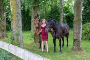 004-Molly&Horses-01June2018