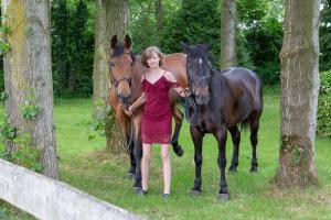005-Molly&Horses-01June2018