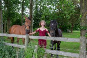 010-Molly&Horses-01June2018